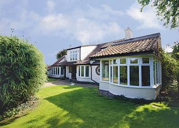 rent muttis-Self-Catering-Holiday-Cottage-Caister