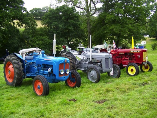 Caister's Vintage Lifeboat Tractor Brought to Life At Local Show